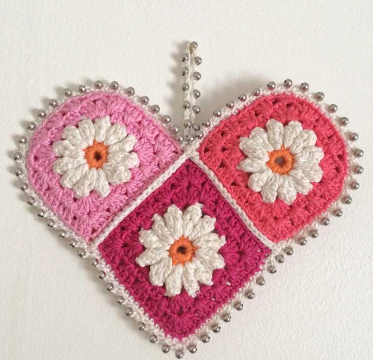 rengarenk motiflerlerden kalp
